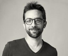 Je suis rédacteur, rédacteur web et journaliste à Bordeaux.